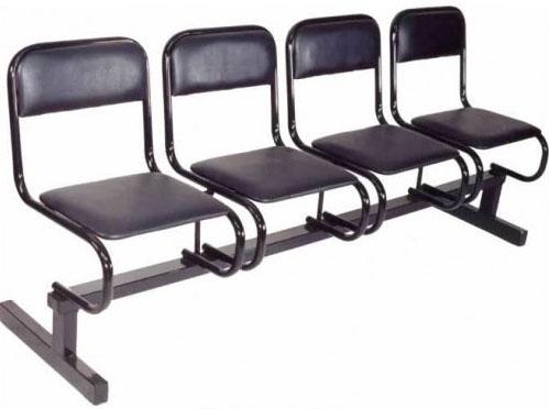 Секция стульев М 112 4-х местная без подлокотников на металлической раме с мягкими сиденьями.