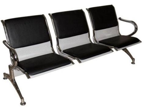 Секция стульев J19-3 трехместная разборная на металлической раме перфорированные с мягкими накладками.