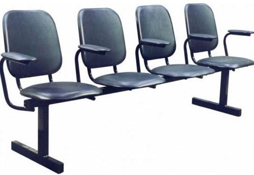 Секция стульев М114/116 на металлической раме 3-х местная с мягкими сиденьями.