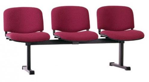 Секция стульев ИЗО трехместная на металлической раме с мягкими сиденьями.