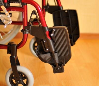 Инвалидная коляска - кресло кресло FS205LHQ алюминиевая конструкция
