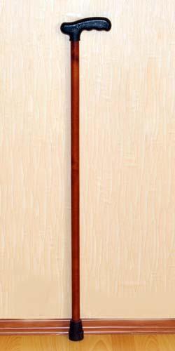 Деревянная трость с пластмассовой ручкой арт.ИПР