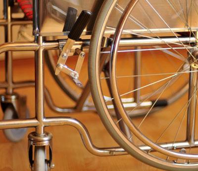Инвалидная коляска - кресло LK6005-35 со стальной рамой.