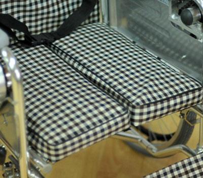 Инвалидная коляска - кресло LK6021 с алюминиевой рамой