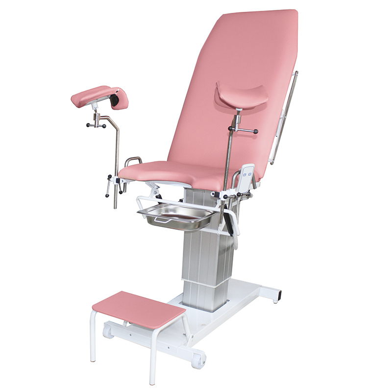 Фото на женском кресле