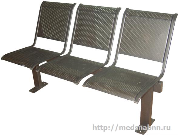 Секция стульев СС-432s 3-х местная перфорированная на металлической раме c креплением к полу.